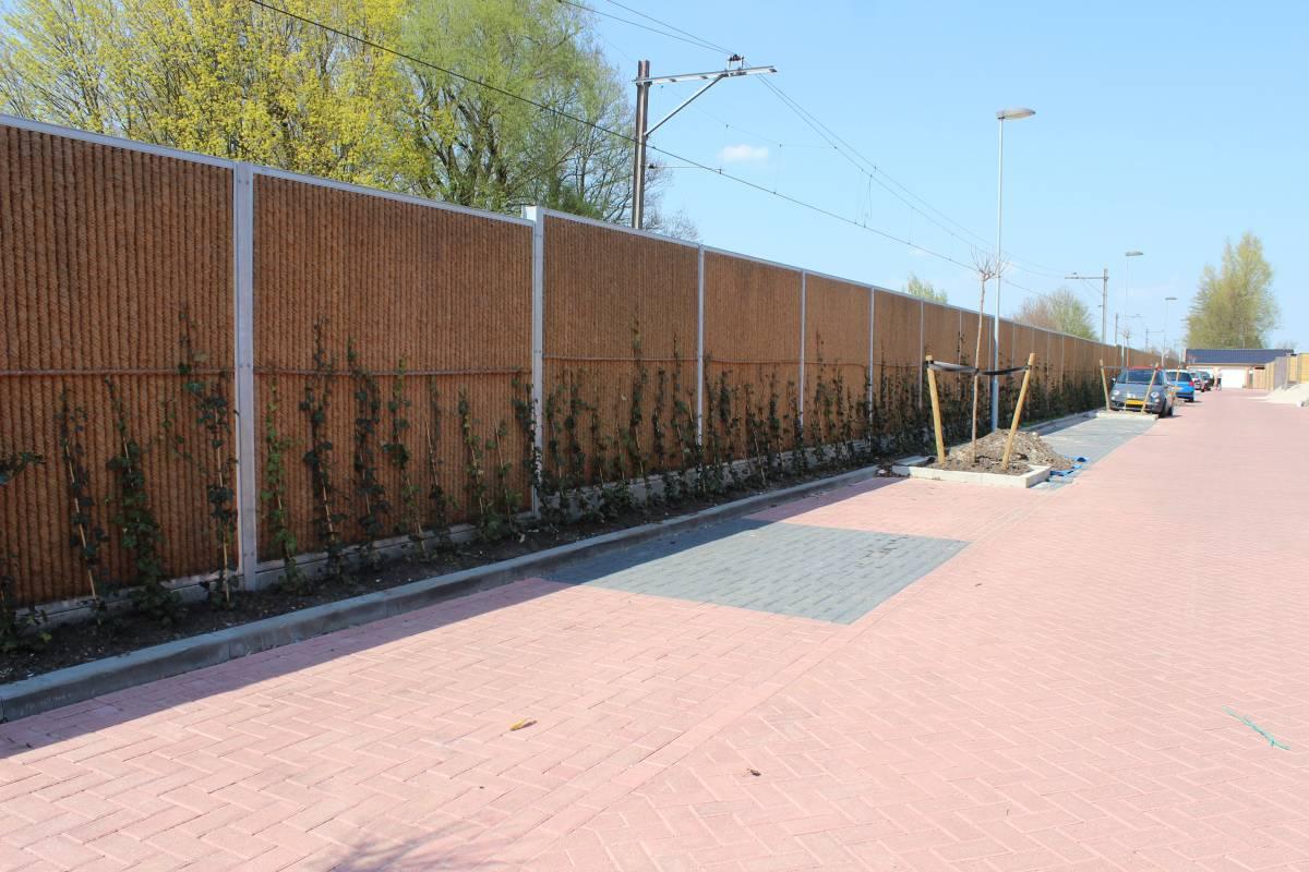 Kokowall Lite geluidsscherm op betonplank H=2,3m